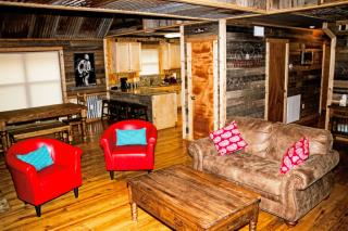 rustic_retreat_165721