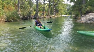 rustic_retreat_frio_kayak